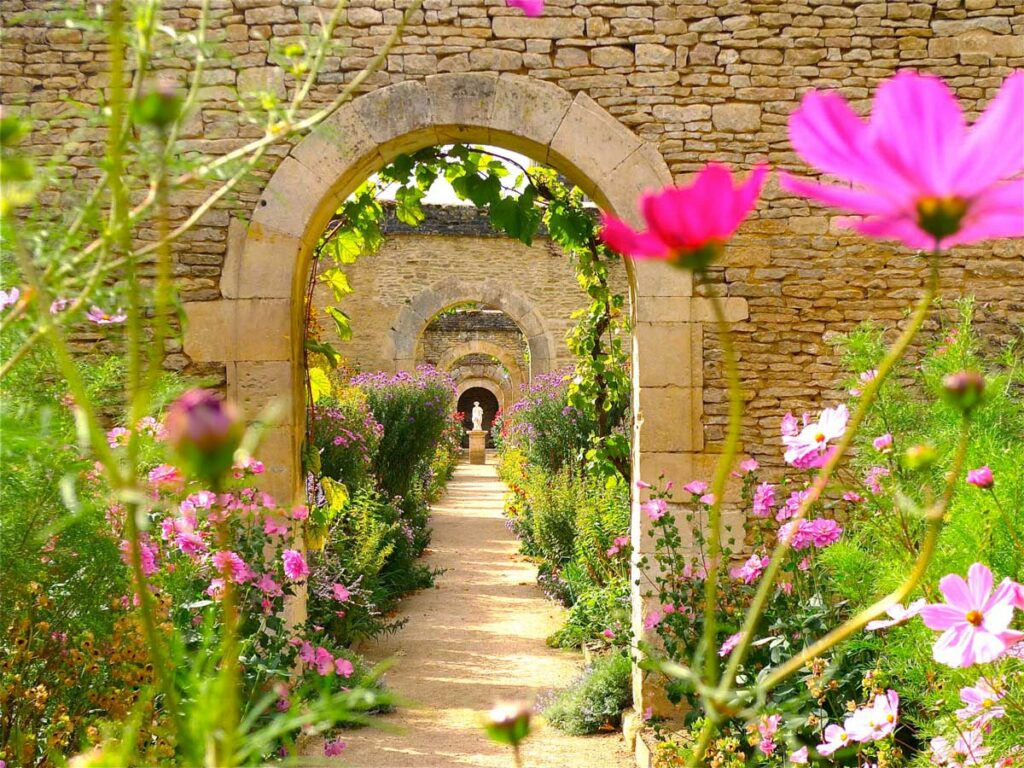 Canon Castle, 15 hectares of exceptional gardens in Normandy